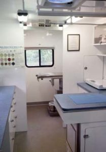 FIGURE 1B: Dr. Dismukes' surgical suite.
